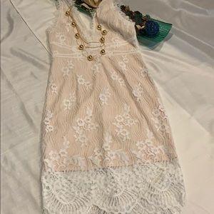 White lacy dress size Large, fits Like a 09/10